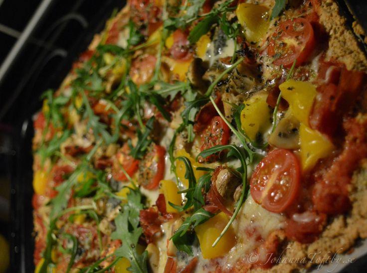 Hemmagjord pizza med knaprig botten - Johanna Toftby