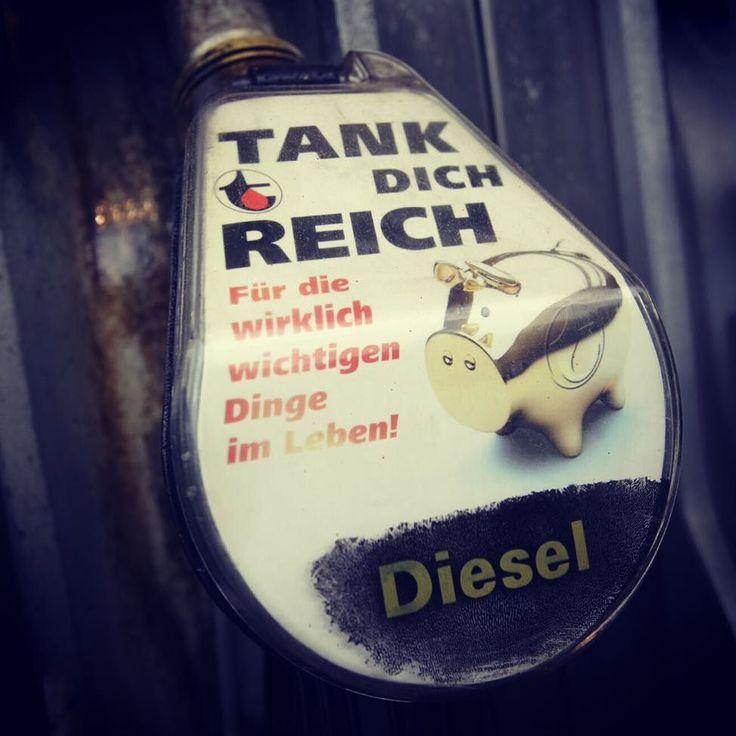 #tanken #reich #diesel #linz #austria #lnz #linzpictures #pkw #traffic #gas #tank #money #travel