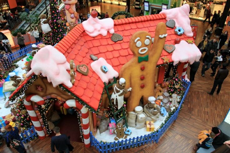 MANUFAKTURA - Manufaktura Pierników / Gingerbread day in Manufaktura #christmas #gingerbread #christmastime #family #kids #fun #santa #santaclaus #christmastree #manufaktura #lodz
