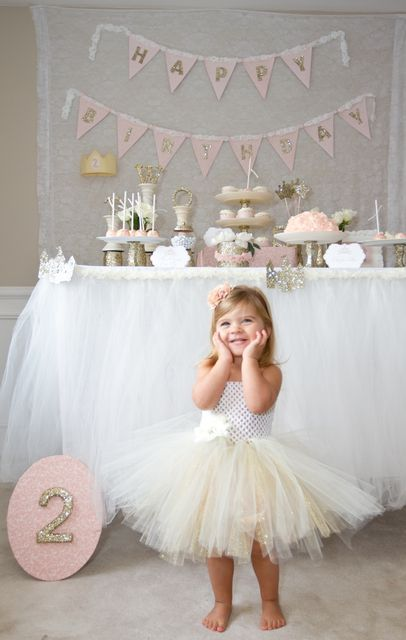 30 ideias de temas para festas de meninas sem usar personagens - Just Real Moms