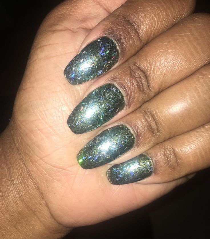 Forest green how I feel for the damp cold weather...#toronto #weather #nails #nailart SHOP BClanBeauty.com link in bio#Shoplocal #Canadian #cosmetics  #love #ClanBeauty #followme #wakeupandmakeup #makeup #makeupstore  #beauty #skin #skincare #women #girl #lipstick #Cute #me #torontolife  #entrepreneur #womeninbusiness #canadianbusiness #instapic #instagood #picoftheday #instamakeup #beautiful