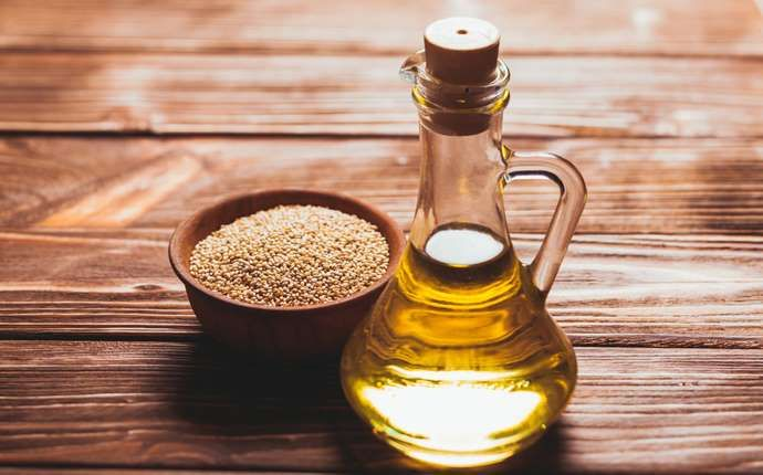 SESAME OIL Add to your diet & watch your acid reflux symptoms become a thing of the past. Sesame oil is a healthy fat source as well as being loaded with tryptophan, which can help reduce the severity of your GERD.