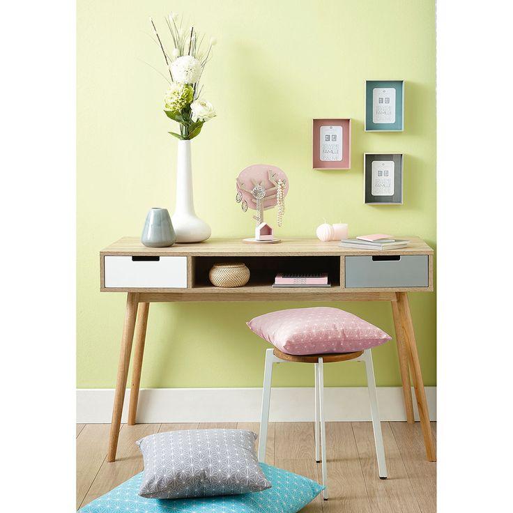 decoration chambre centrakor 022834 la meilleure conception d 39 inspiration pour. Black Bedroom Furniture Sets. Home Design Ideas