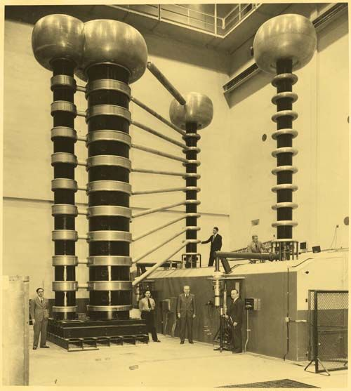 Testing of 1.4 million volt X-ray machine from 1941.