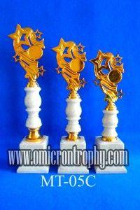 Jual Piala Trophy Untuk Event Perlombaan dan Kejuaraan | Omicron Trophy