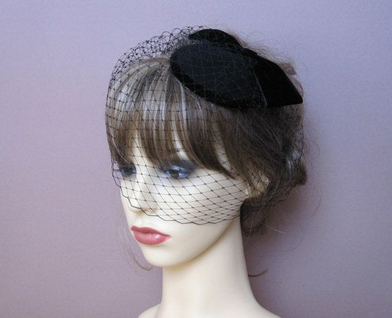 Dani's hat - vintage style wool felt pillbox fascinator small by LisLarsonHats - see if colors could be matched to royal blue dress dress #danishandmadewedding