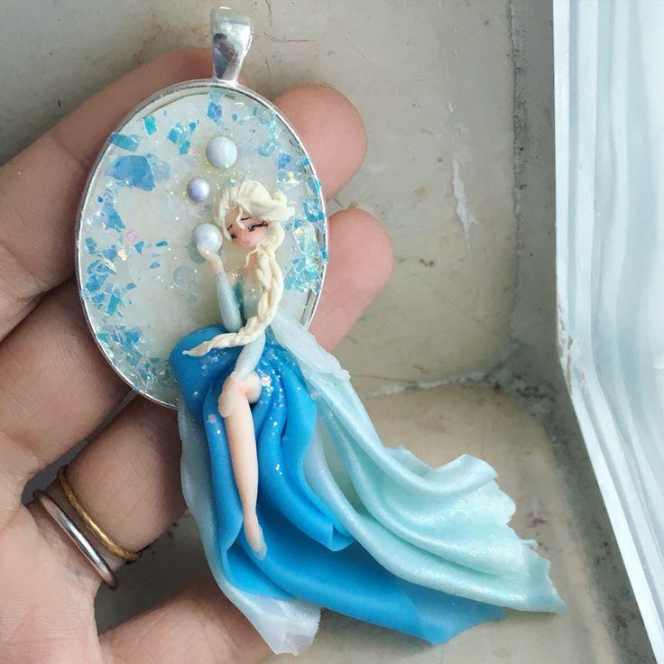 Elsa from frozen  -NinaCreations