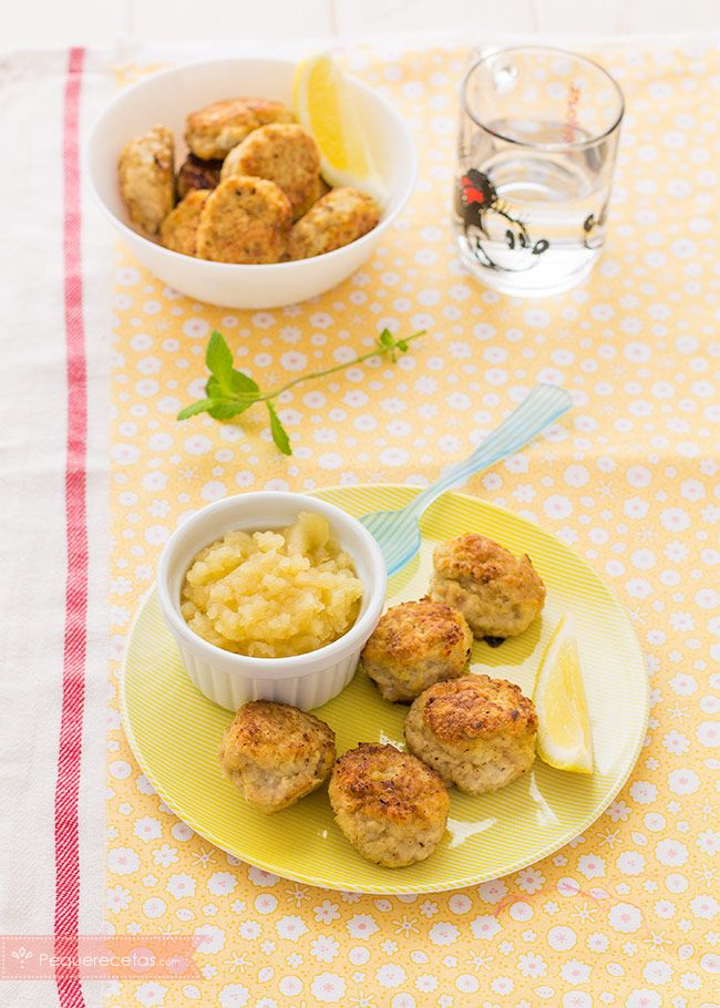 Albóndigas de pollo con manzana , Las albóndigas de pollo con manzana son una receta para niños que gustará a todos. Aprende a preparar albóndigas de pollo con manzana, ¡sabrosas y nutritivas!