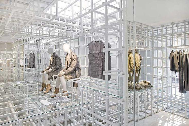 En la calle Cornelis Schuijtstraat de Amsterdam una nueva tienda para la marca Stills ha sido diseñado por Doepel Strijkers. Las intervenciones espaciales en...