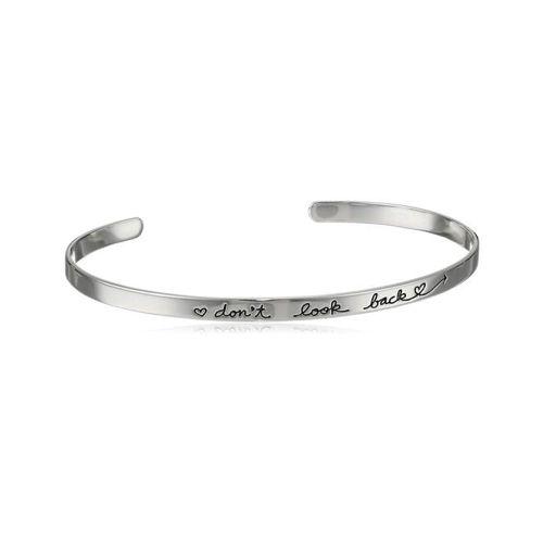 jonc tendanceen métal argenté. Un bracelet fantaisie tendance 2017 . Bracelet réglable convient à tous les poignets.Ce bracelet tendancea tout ce qu'il lui faut pour devenir l'accessoire incontournable de la saison! Profitez de bracelet à prix mini!  Emballage cadeau offert!