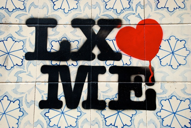 Lisbon loves me..famous stencil on the Lx's walls!