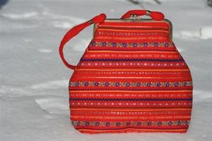 Pirita-olkalaukku, design Seija Ranttila, Ságat