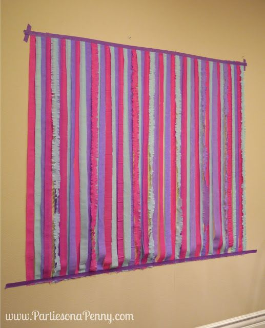 parties on a penny  easy diy streamer backdrop