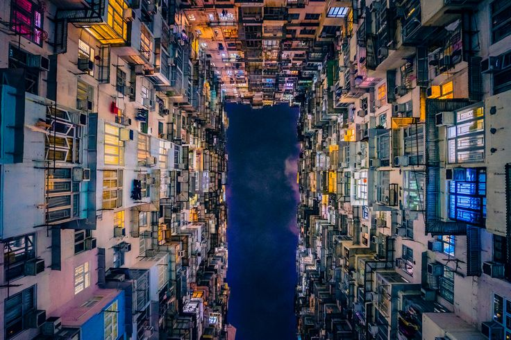 A Hong Kong think-tank is calling for improvements to the city's structured products market to help maintain its position as one of the world's leading investment destinations. The Financial Services Development Council (FSDC) wants Hong Kong's market regulators to start rolling out listed structured product categories that are currently available