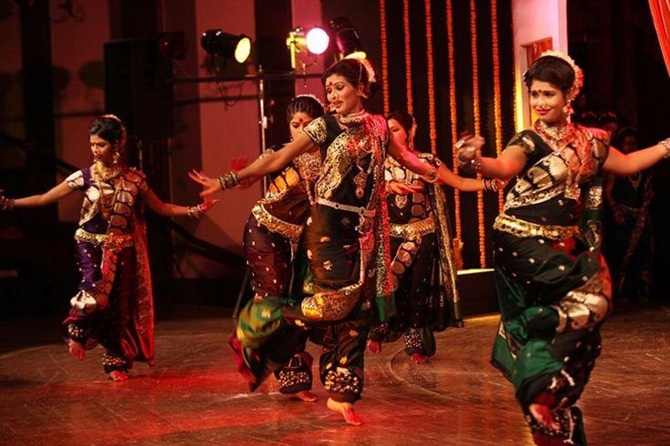 international dance day, world dance day, indian classical and folk dances, bharatanatyam,