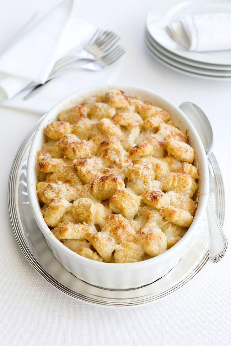 Se cerchi un piatto esageratamente sostanzioso da classico pranzo domenicale in famiglia, prova gli gnocchi al gratin di Sale&Pepe. Impara la ricetta.