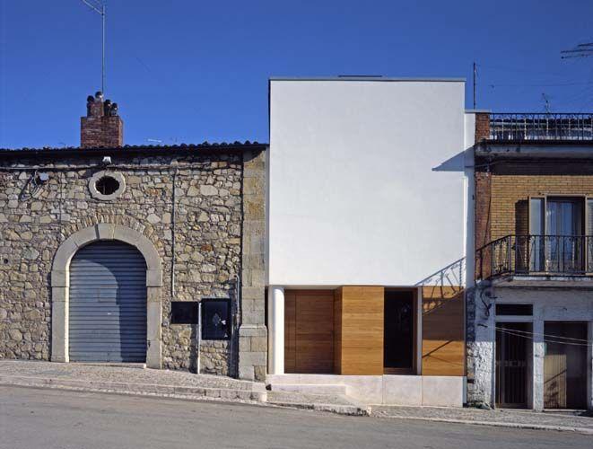 plomba, zabytkowa przestrzeń, historyczna tkanka, architektura współczesna, współczesna plomaba w historycznej tkance