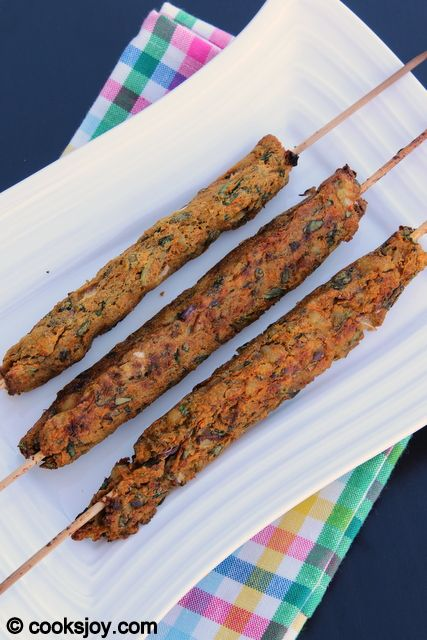 Vegetable Kebab - cooksjoy - Serves 2  3 potatoes 1 cup green peas (I used frozen) 2 carrots (grated - about 1 cup) 1/2 cup onion (chopped) 1 cup spinach (chopped)  salt (to taste)  chilly powder (to taste) 2 tsp chaat masala 425 for 25-30mins. Soak skewers for 30mins.