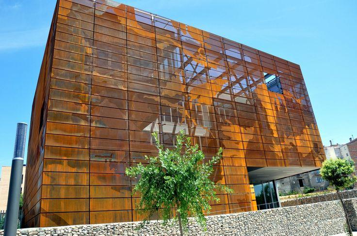 INSTITUT GEOLÒGIC DE CATALUNYA    IGC with Multiperforated Corten Steel by Architects Oikosvia Arquitectura    Material: Multiperforated Corten Steel  Architects: Oikosvia Arquitectura