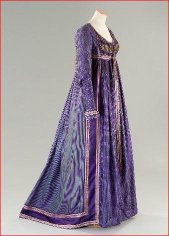 Abito nobiliare che segue la moda italiana, realizzato in seta e broccato con passamanerie e merletti francesi. Costo £ 300