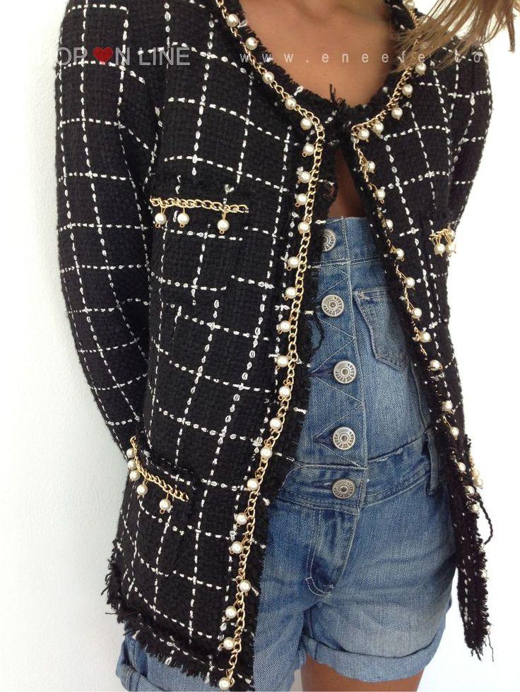 La chaqueta Chanel, un icono eterno en la moda. www.eneefe.com