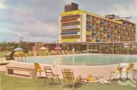 Lennons Broadbeach Hotel, c1962. Postcard by Murfett Publishers Pty Ltd, collection of Centre for the Government of Queensland.