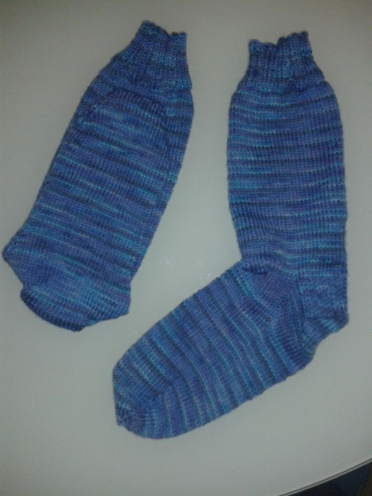 feb 2014. Second pair of socks I've made, (for me this time). Cascade Heritage merino. These are to die for.