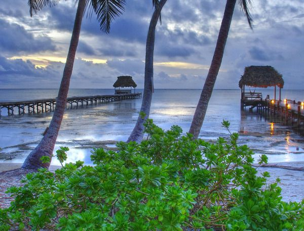 The cheapest places to live in the world. $500 a month  - Belize sunset by Gold44