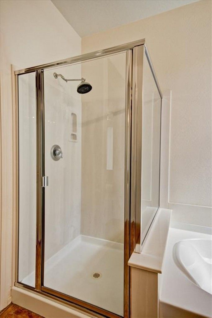 75 best walk in shower small bathroom images on pinterest ideas for small bathrooms shower for Small shower enclosures for small bathrooms