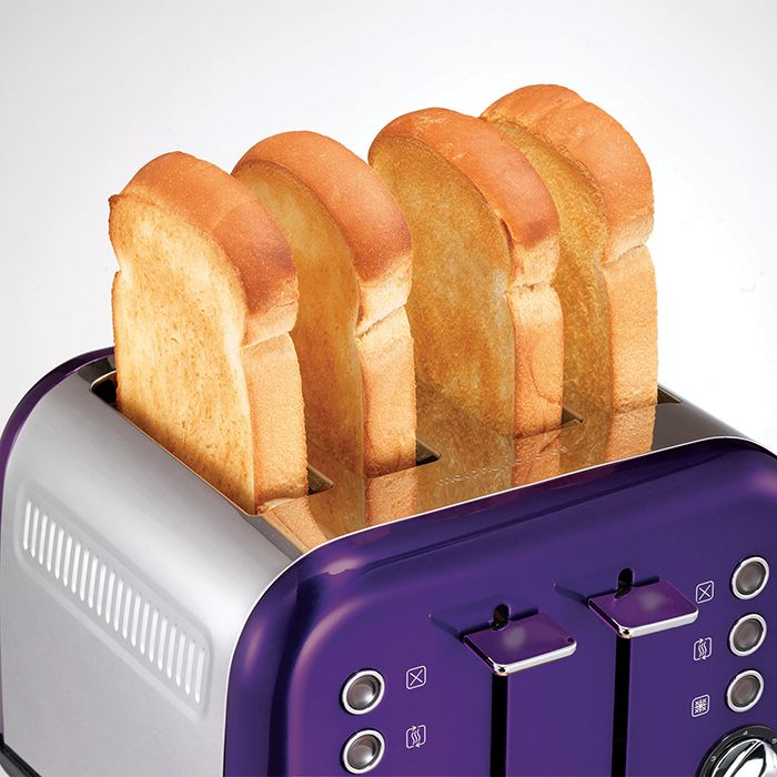 The Plum purple Accents 4 slice toaster from Morphy Richards is both modern and functional. Make a statement through your kitchen design every time you have brekkie!