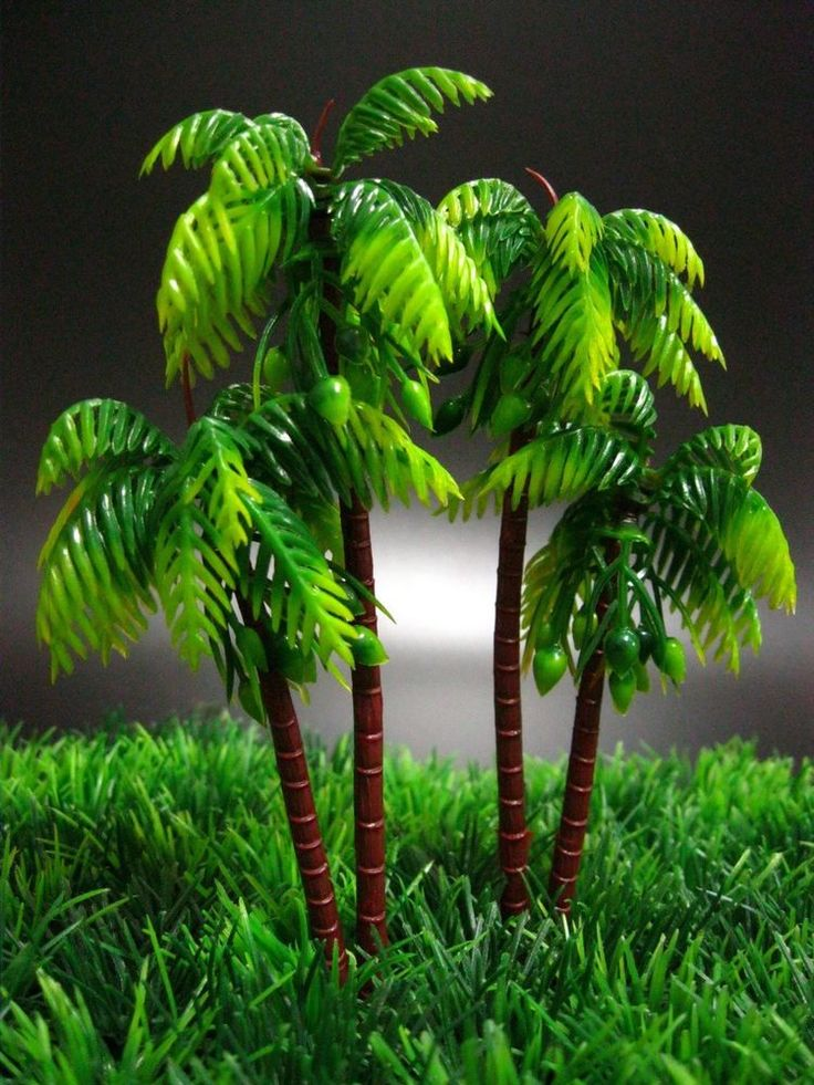 2 Plastic Palm Trees Toys 6'' Miniatures Plant for Decor Dollhouse & Toy Soldier