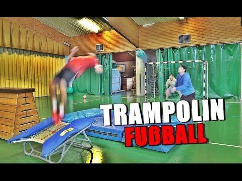 TRAMPOLIN-FUßBALL-CHALLENGE   Krappi vs KsFreak - YouTube