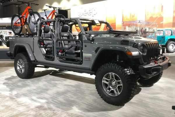 Gladiator S Ready New Jeep Wrangler Pick Up Truck Due In 2020 Auto Express Jeep Gladiator New Jeep Wrangler Jeep Wrangler