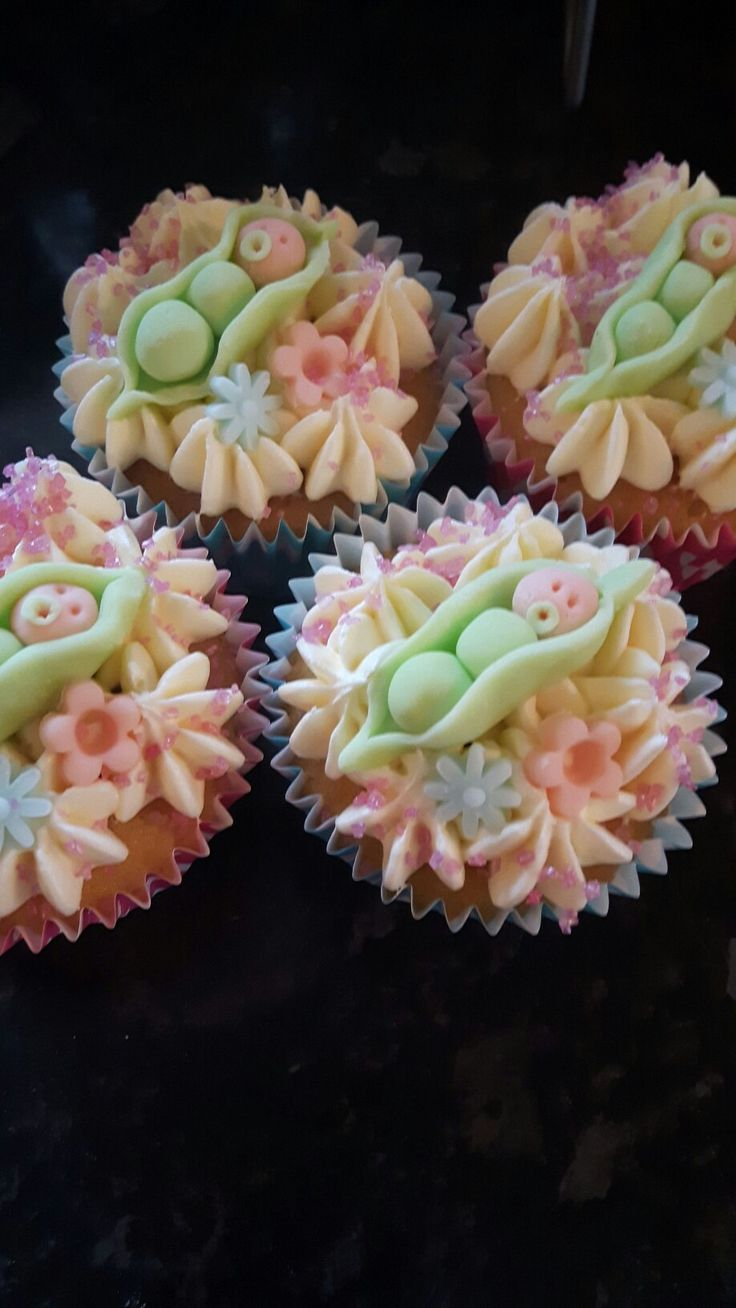 Naomi baby cakes x
