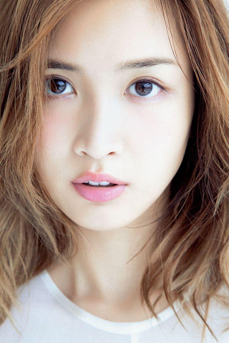 紗栄子がインスタに母の写真をアップ!白髪がファンキーでそっくり ...