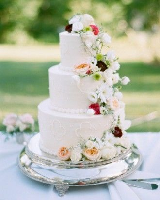 Sara And Nick\u2019s Traditional-Meets-Rustic Wisconsin Wedding - The Cake Cake for mom #pie #sweet