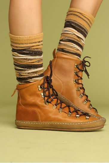 Going for a hike, Take a best lightweight Hiking Boot with you...  Omg I love these