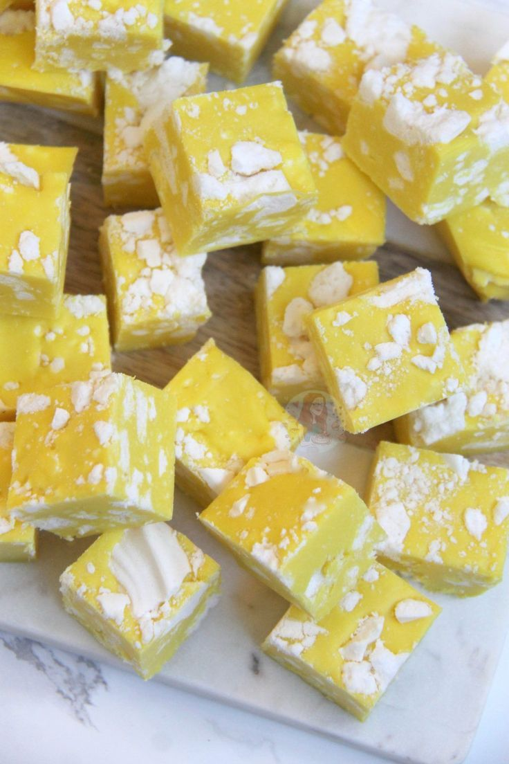 Easy Condensed Milk Lemon Fudge with Crunchy & Sweet Meringue pieces, the BEST Lemon Meringue Fudge! This recipe has been requested for so long now,...