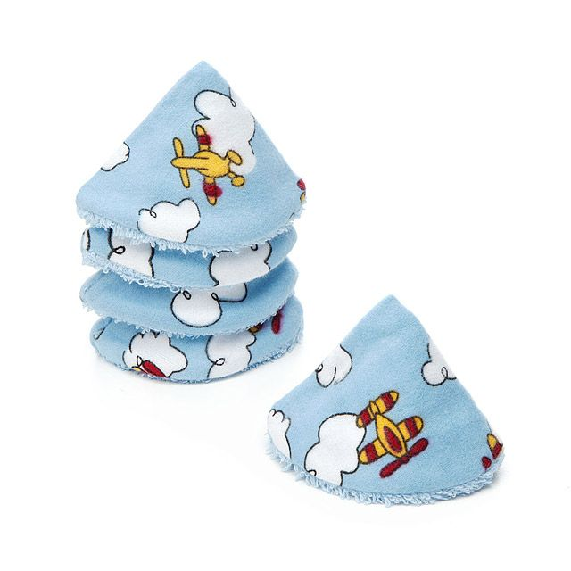 An ideal baby shower gift, the five powder blue 100% cotton pee pee teepees are decorated with airplanes and hemmed with soft fringe.