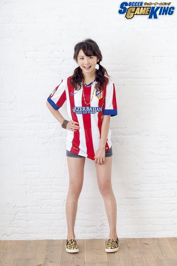 Photo: Takeru Yoshida / Styling: Kaname Terakubo / Hair&Make: Akio Namiki(KURARASYSTEM) ▼24Dec2014サッカーキング|おのののか「選手同士の真剣にぶつかり合うシーンが好き」 http://www.soccer-king.jp/bijotoshukyu/article/261633.html #Nonoka_Ono #おのののか #小野乃乃香