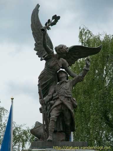 Charleville-Mézières. Champagne-Ardenne /  Monument aux morts de 1914-18