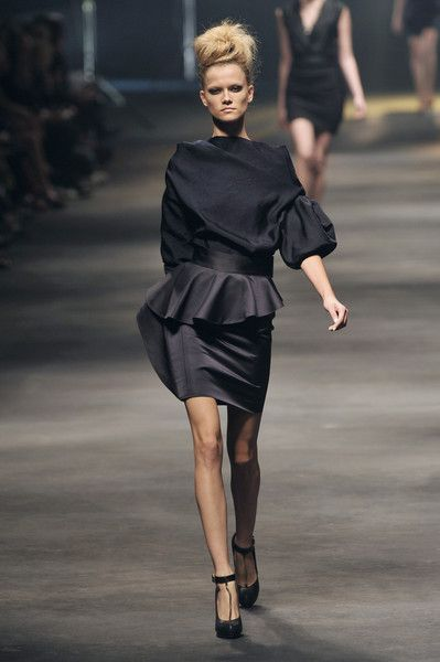 Lanvin at Paris Fashion Week Spring 2010 - Runway Photos