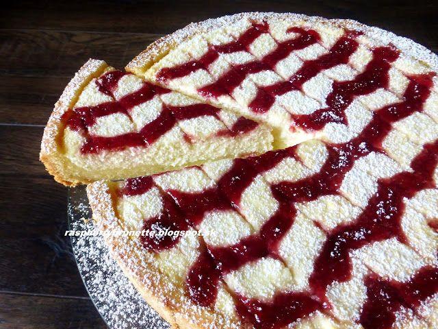 Raspberrybrunette: Linecký tvarohový koláč s malinovým džemom   Úžasn...