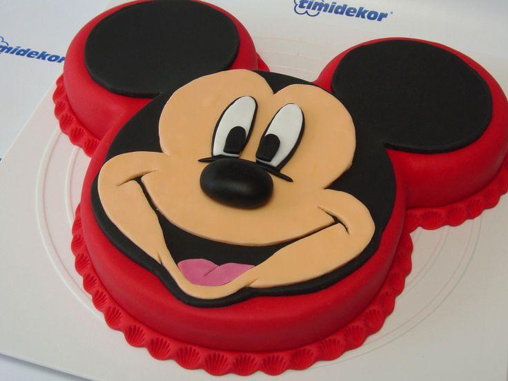 Mickey Mouse Fondant Cake