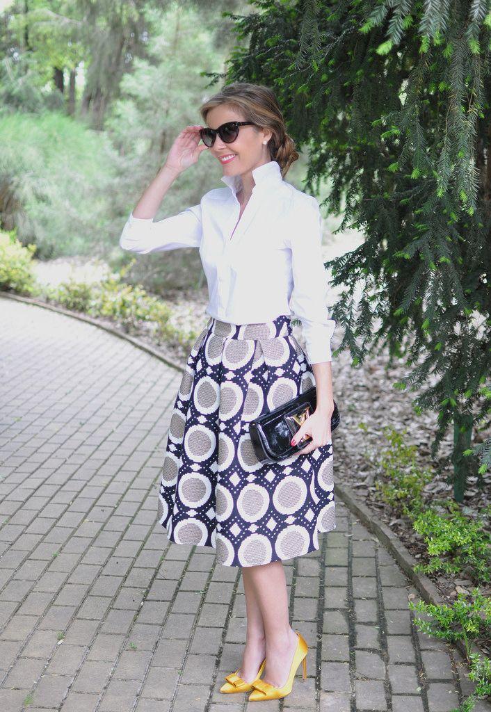 Lady look. Midi skirt, yellow heels, Louis Vuitton clutch