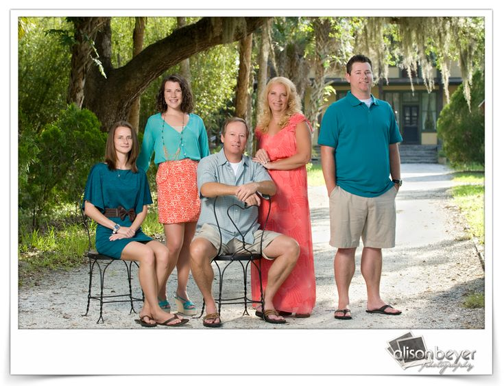 Best summer color options for family pictures