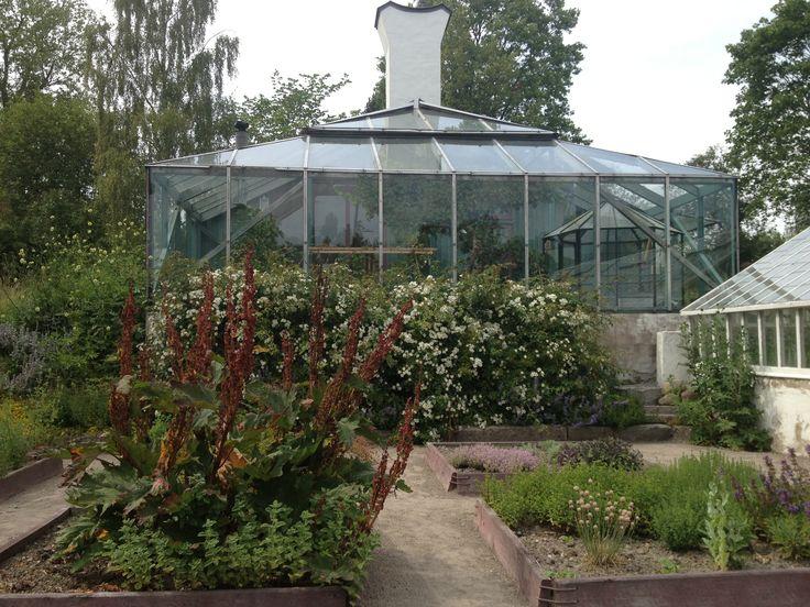 TRÄDGÅRDSPARKEN KULTURCENTRUM JÄRNA - Green House Photo: P. Ostensson