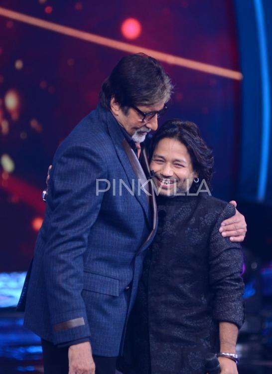 Jeetendra, Manish Paul snapped with Amitabh Bachchan on Aaj Ki Raat Hai Zindagi
