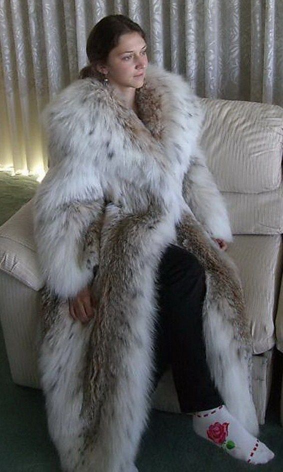 white fox fur coat - Google Search | Fur Coats | Fur, Fur ...