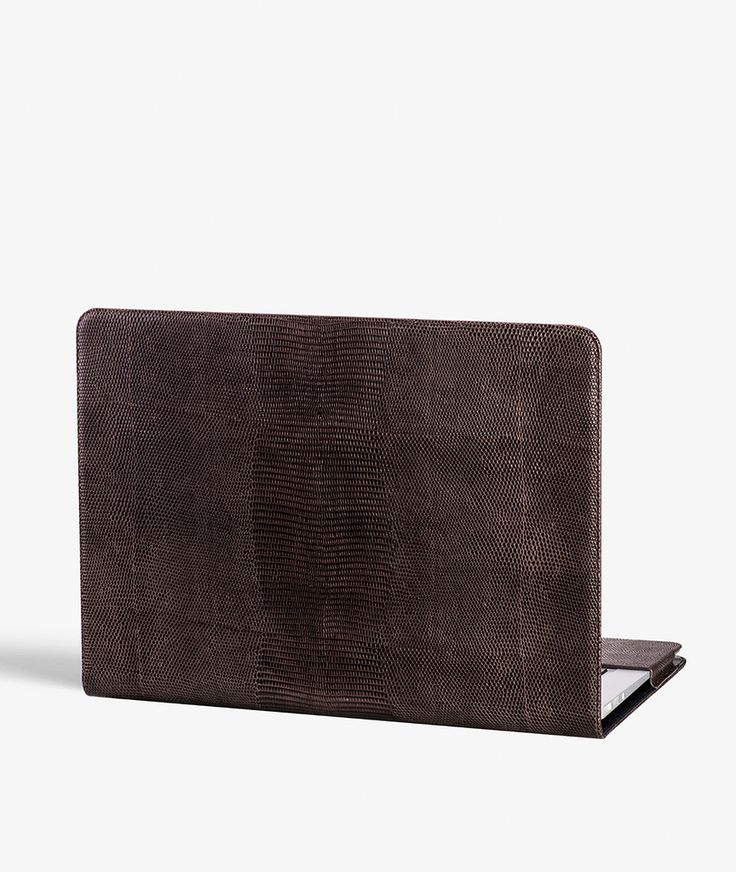 "MacBook Pro 13"" Cover - Lizard Brown Exclusive handcrafted leather cases for iPhone, iPad and MacBook from The Case Factory"